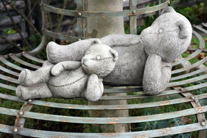garden ornaments, Teddies