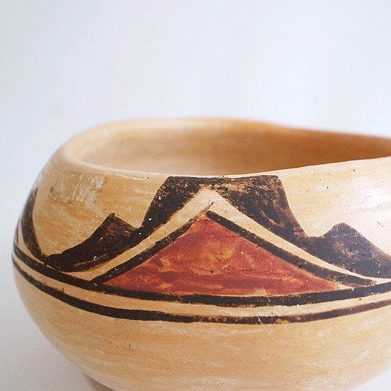 ヴィンテージアイテム:ネイティブアメリカンの陶器のベース