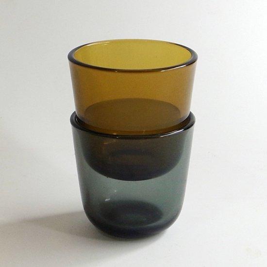 ヴィンテージ ガラス:プレスガラスのショットグラス [カイ・フランク]