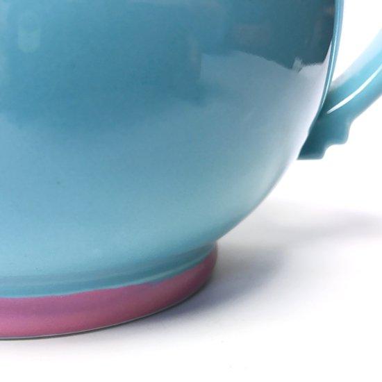 ポストモダンの影響がうかがえる、1980年代に作られていた日本製の食器のシリーズ(ティーポット)