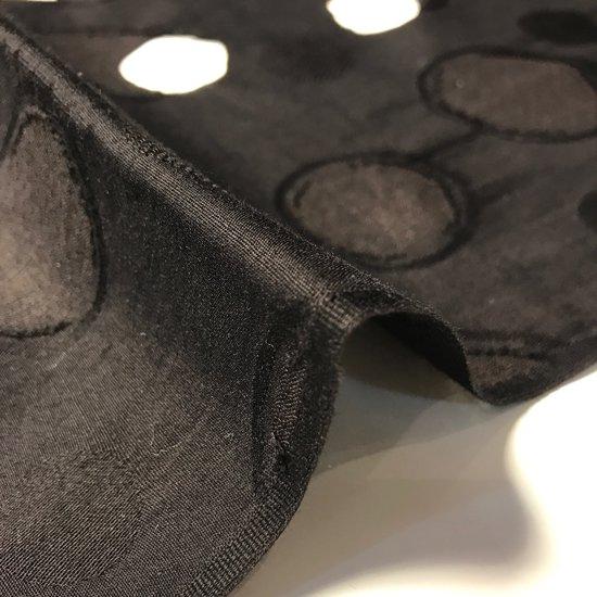 山内染色工房: 柔らかな素材の風呂敷『ドット』/ 黒