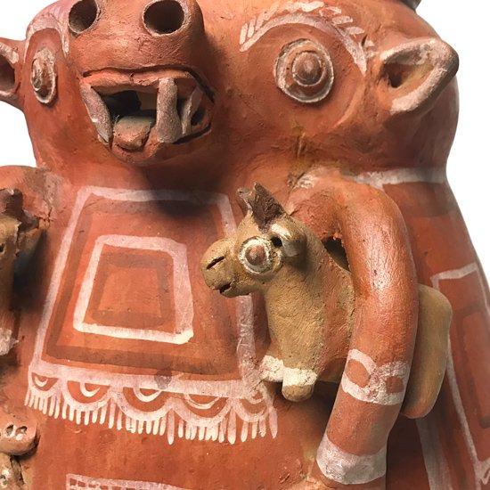 1970年代にペルーのアヤクーチョで作られた大きなベース