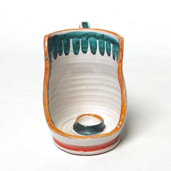 シチリアにある陶器工房 デシモーネ の手付きの燭台