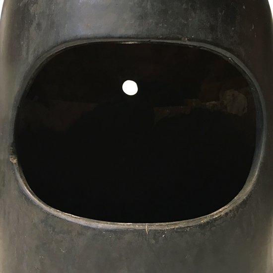 ぼうずと呼ばれていた、炭を使う古い焼き物のストーブ