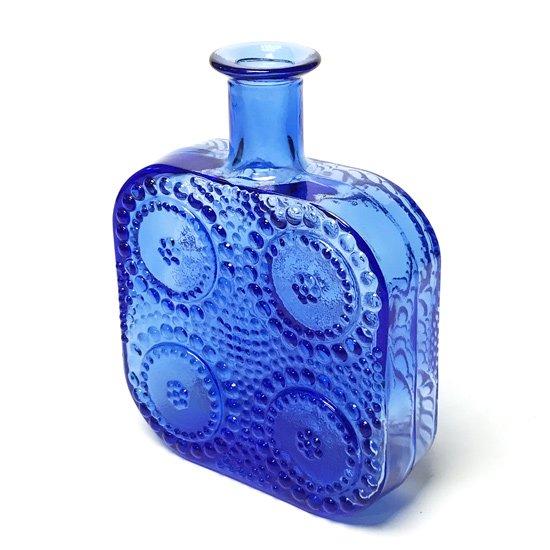 Nanny Still が Riihimaen Lasi のためにデザインをした Grapponia シリーズのボトル