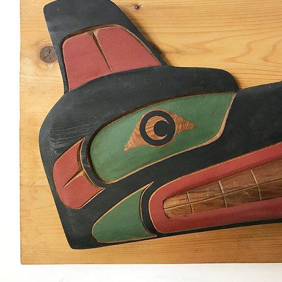 1980年代カナダのネイティブアメリカンによって制作された木彫りの壁掛け