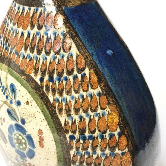 メキシコの陶器の盛んな街 トナラ で作られた古い陶器のベース