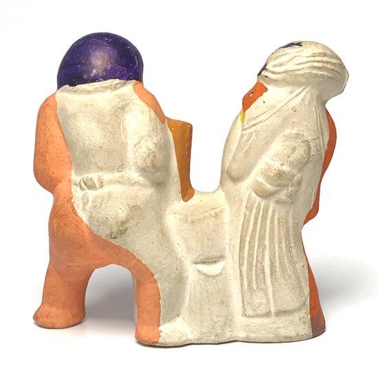 福の神である大黒さまが餅つきをしているとても縁起のいい土人形