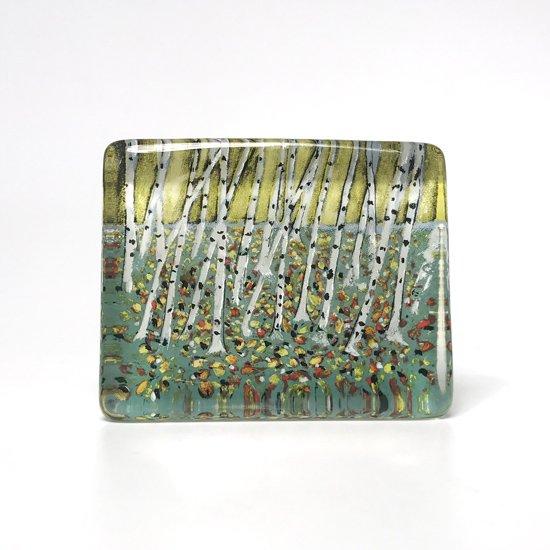 画家であり陶芸家でもある Helja Liukko Sundstrom によるデザインのガラスオブジェ