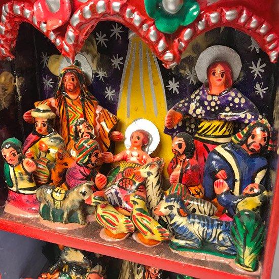 1970年代ペルーの伝統的な工芸品のレタブロ
