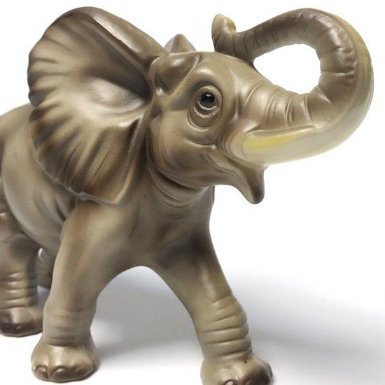 1950年代に海外への輸出用に日本で作られた象のフィギュア