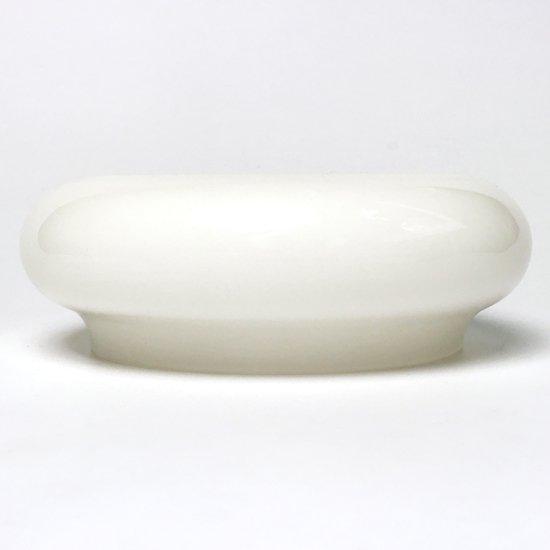プロダクトデザイナー 渡辺力氏 がデザインをしたガラス製のモダンな灰皿