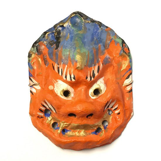 京都に伝わる工芸品 嵯峨面 の一つ、仏さまの顔がモチーフの古い仏像面