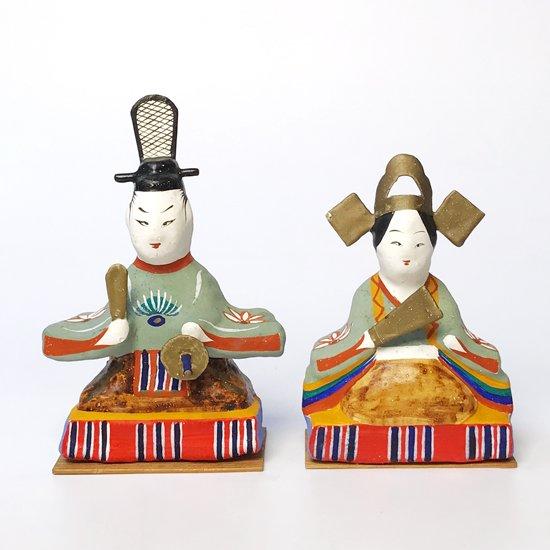 福島の郷土玩具。お内裏さまとお雛さまがセットとなった古い三春張子の雛人形