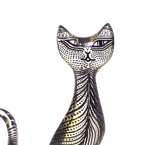 ブラジルのアーティスト Abraham Palatnik による、アクリルのオブジェ