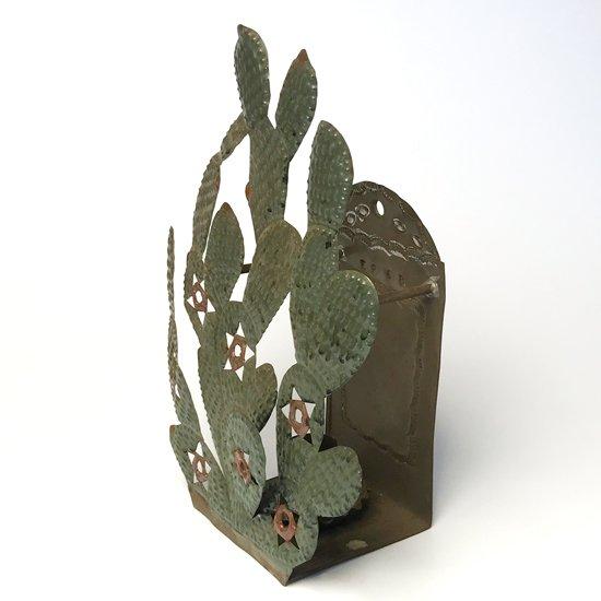 メキシコの街タスコで作られた古いブリキのキャンドルホルダー