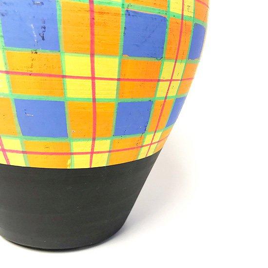 ヨーロッパの陶器 : チェック柄の壷(中)