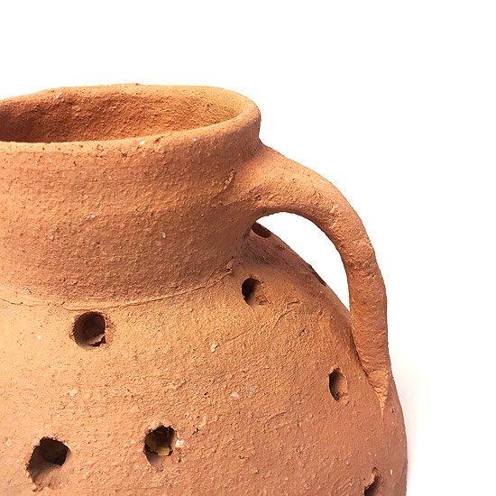 ヨーロッパの陶器 : 素焼きのベース(穴あき)