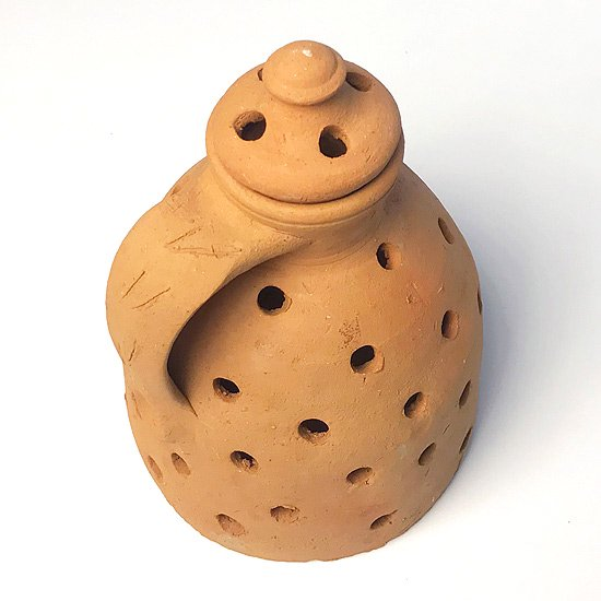 ヨーロッパの陶器 : 素焼きのベース(穴あき/蓋つき)
