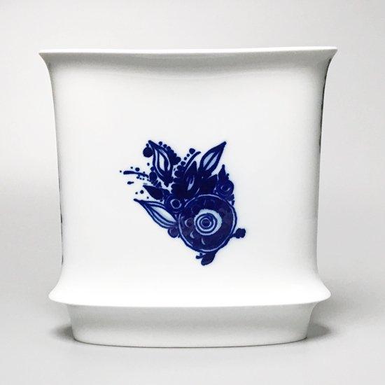 デンマークを代表する世界的なデザイナーの一人 Bjorn Wiinblad (1918 - 2006) がローゼンタールのためにデザインをしたベース