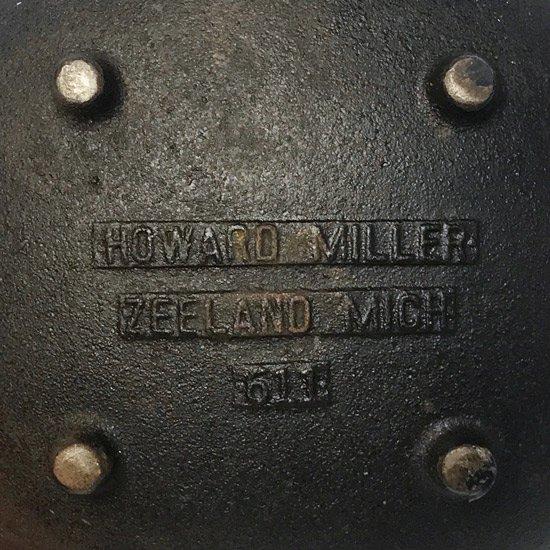 George Nelson が Howard Miller 社のために1950年代にデザインをしたファイヤースターター