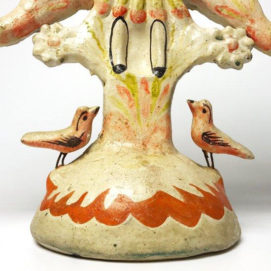 メキシコのマタモロスのフローレスファミリーによる古いツリーオブライフ