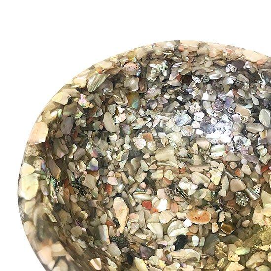 1960年代 カリフォルニアで作られていた、貝殻を樹脂のに閉じ込め成形されたボウル