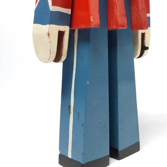 デンマークのデザイナー、カイ・ボイスンが1942年にデザインをしたヴィンテージのロイヤルガードのフィギュア
