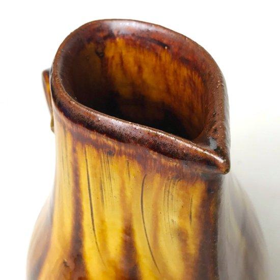 陶芸家 舩木研兒 による大きなピッチャー型の作品