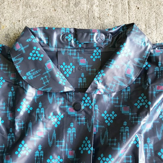 福岡県の久留米のメーカーで1980年代に作られていた絣柄のレインウェア
