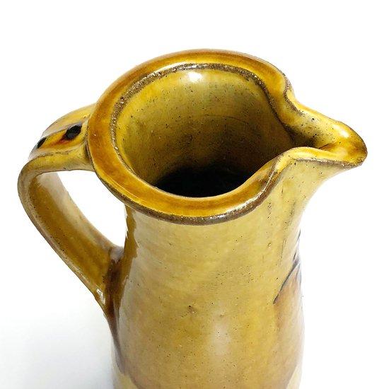 陶芸家 舩木研兒 によるピッチャー型の作品
