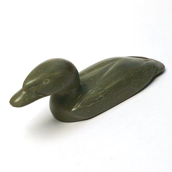 イヌイットによる鳥の彫刻作品