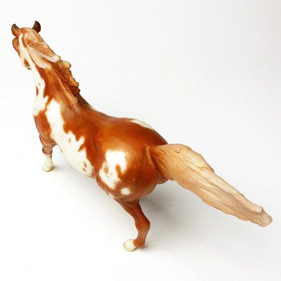 アメリカのフィギュアメーカー Breyer のヴィンテージの馬のフィギュア