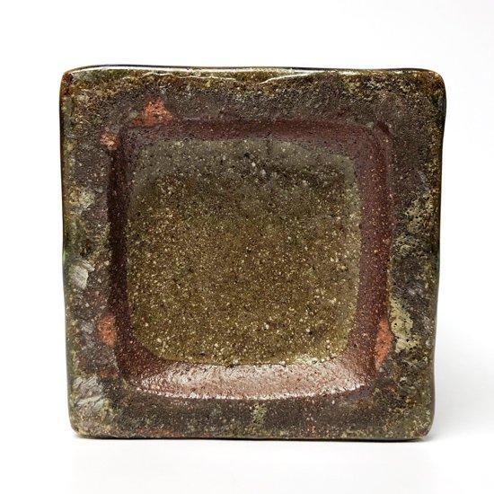 底面:焼成時に剥がれた窯傷が見られます