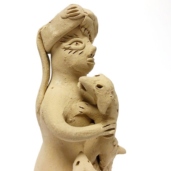 1970年代にテオドラ・ブランコによって作られた土人形