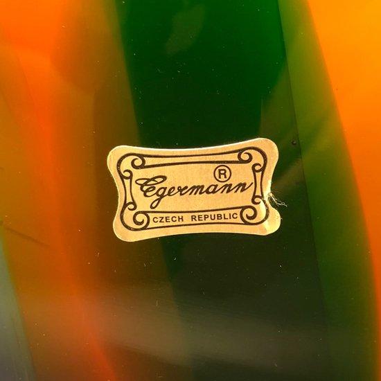 チェコの工芸品として有名なボヘミアガラスによる大きな魚のオブジェ