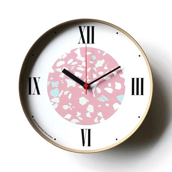 Swimsuit Department による時計のためのブランド Clock Division の第一弾となる壁掛け時計の一つ「Terrazzo」
