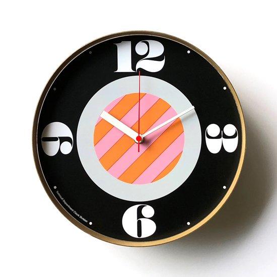 Swimsuit Department による時計のためのブランド Clock Division の第一弾となる壁掛け時計の一つ「Meyers」