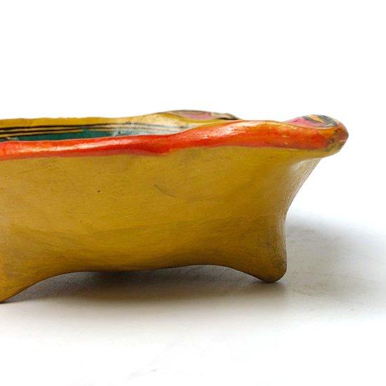 メキシコのゲレロで作られた古い陶器のボウル