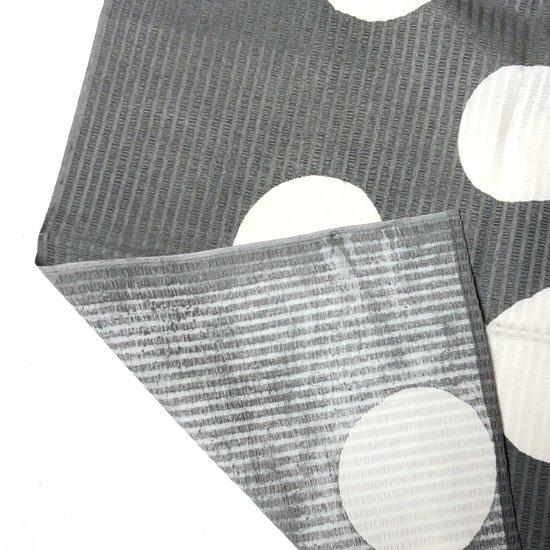 山内染色工房: 柔らかな素材の風呂敷『水玉』/ 灰 x 白