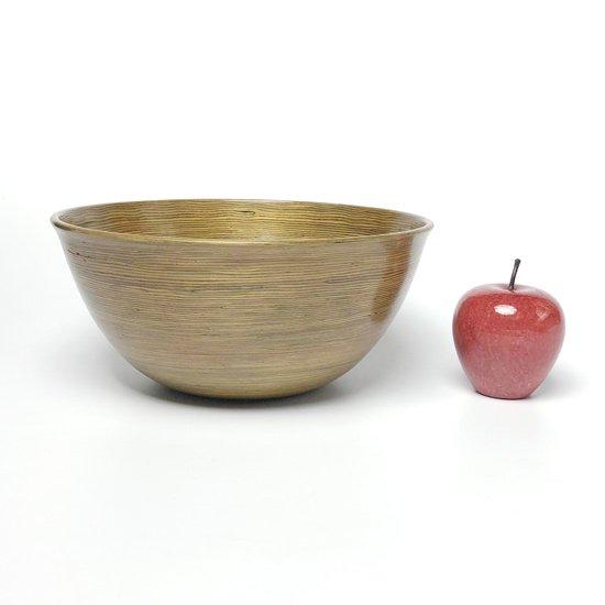 約9cmのりんごと並べて