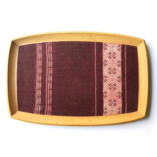 Vintage Item : 青森の工芸品「ブナコ」の古いトレー。ベースとなる広い底板に青森の伝統工芸である「こぎん刺し」が貼られた大作