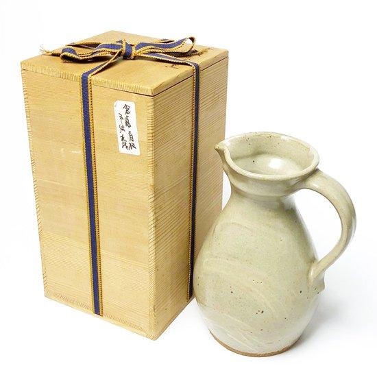 陶芸家 沖塩明樹 が倉敷みなと窯で製作したピッチャー(花生)