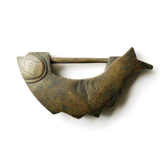 グラフィカルな装飾とフォルムがとても特徴的な韓国の古い南京錠
