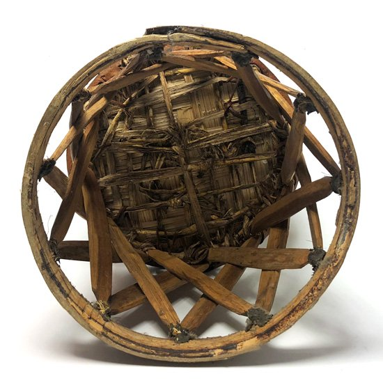 メキシコのフォークアートを代表するものの一つ、エキパルチェアのスツール版