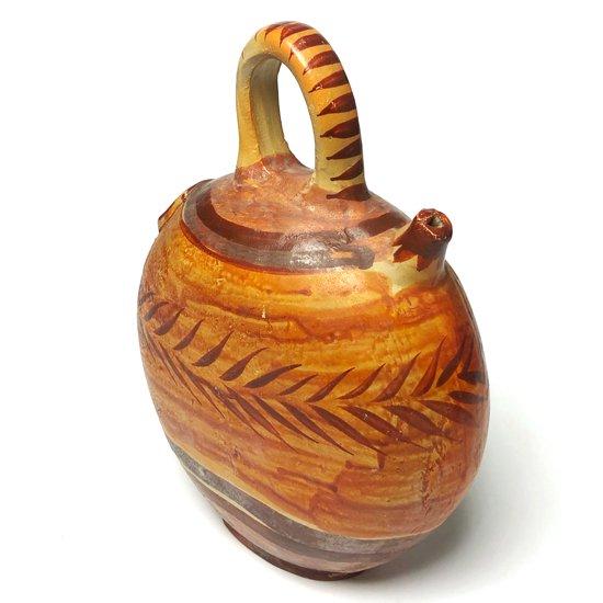 メキシコのトナラで作られた古い陶器の水差し