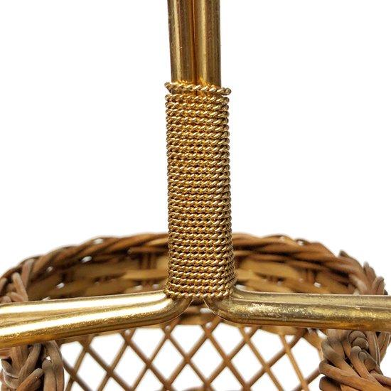 イタリアで制作されていた、籐を編み込みつくられたワイン用のバスケット