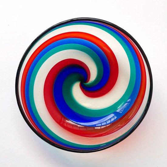 1950年代に Fulvio Bianconi がデザインをし、ムラノにあるベニーニ工房で製作された古いガラスのボウル