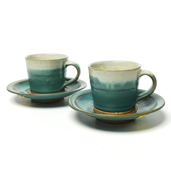 民藝と強いつながりを持つ鳥取の民窯 牛ノ戸焼 のカップ & ソーサー