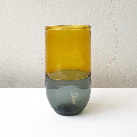 ドイツ出身のアーティスト Jochen Holz による、インカルモという度な技法を使ったタンブラー